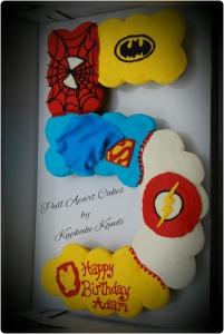Super Hero Cupcake Pull Apart Cake